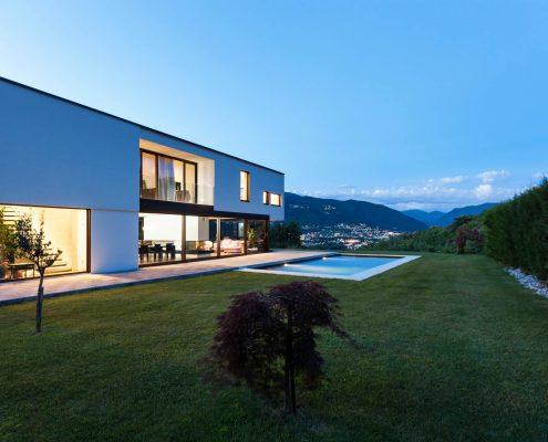 Corallo Bauhaus mit Pool